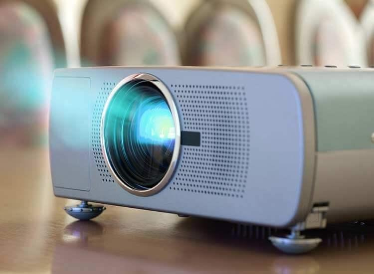 Watch Movies on Your Wall Using This I Phone Projector